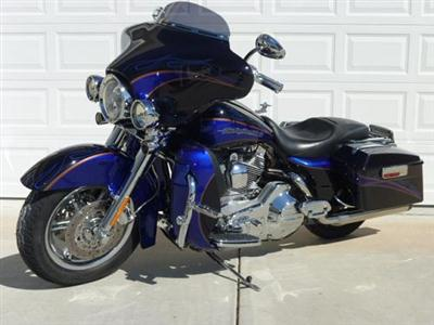 2004 FLHTCSE Photos http://www.cyclecrunch.com/ForSale/Harley-Davidson/Screamin_Eagle_Electra_Glide/261540