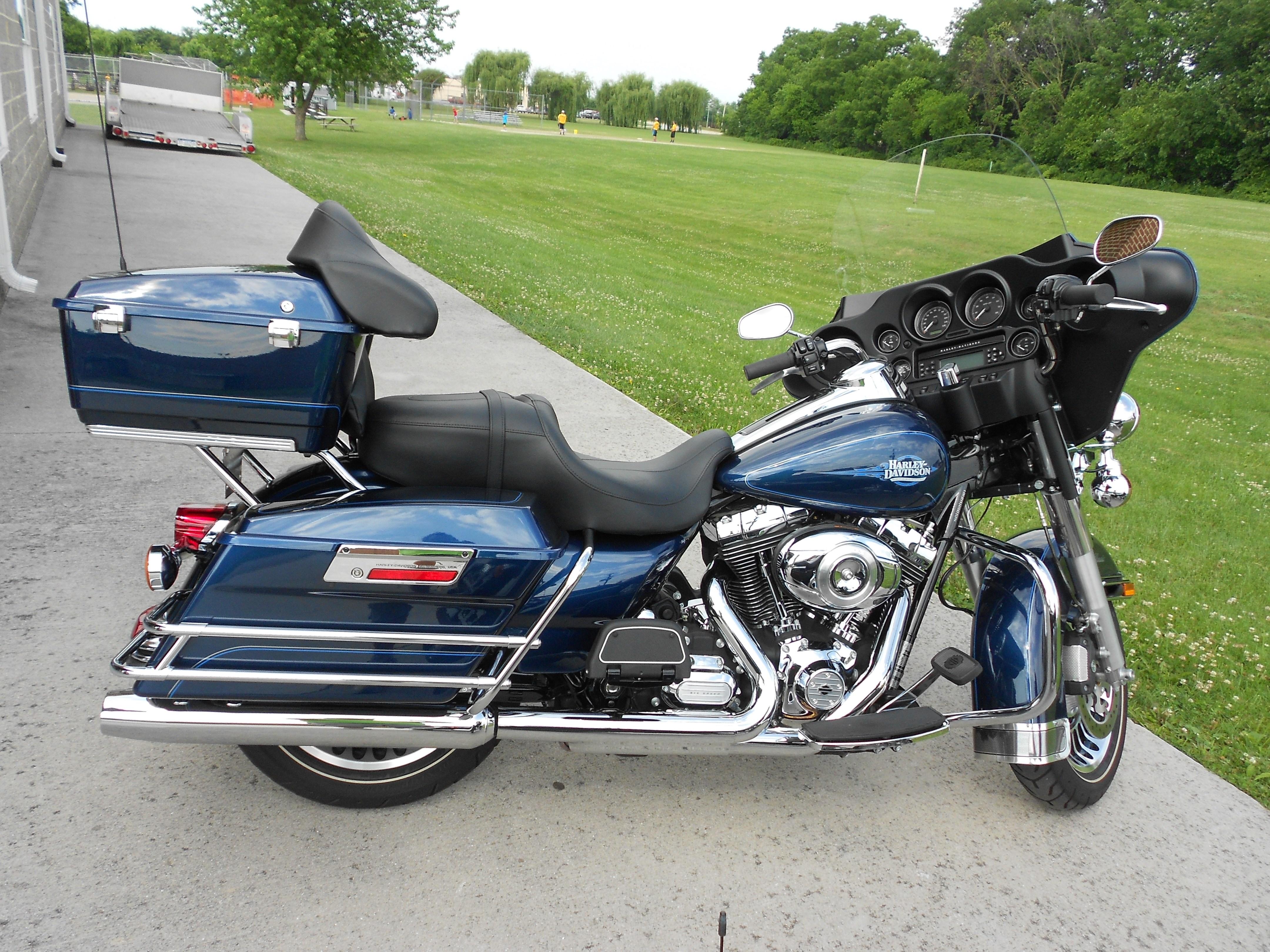 2013 Harley-Davidson® FLHTC Electra Glide