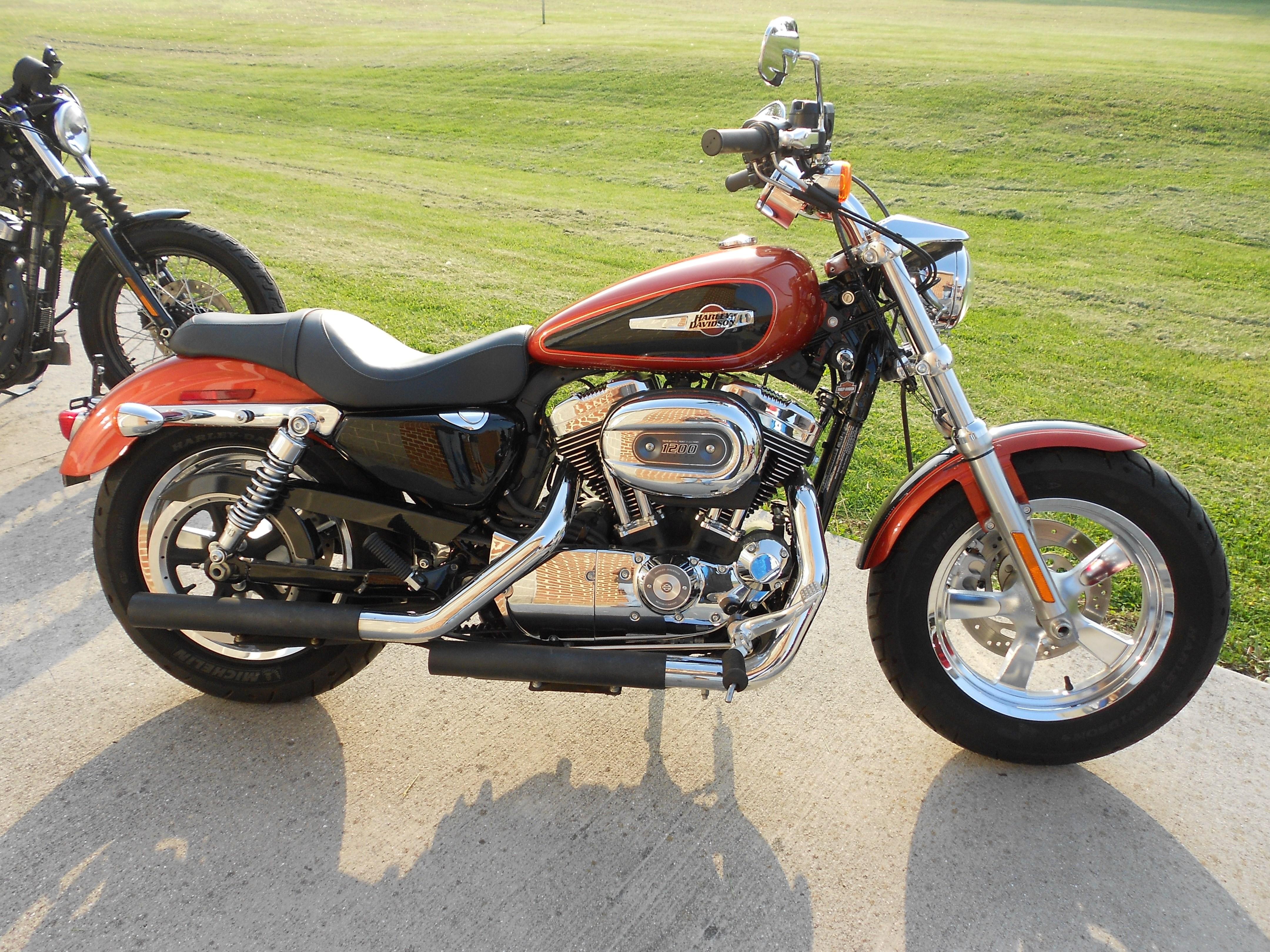 2011 Harley-Davidson® XL1200C Sportster® 1200 Custom