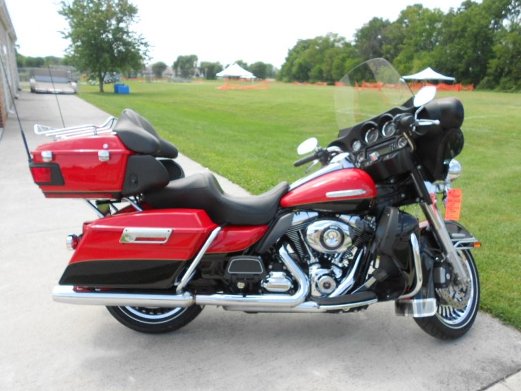 2010 Harley-Davidson® FLHTK Electra Glide