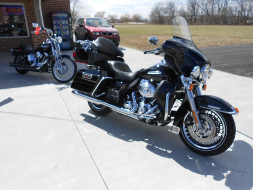 2013 Harley-Davidson® FLHTK Electra Glide