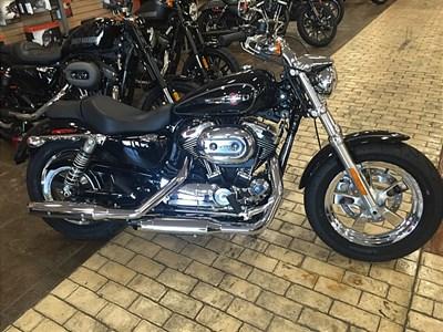 New 2016 Harley-Davidson® Sportster® 1200 Custom