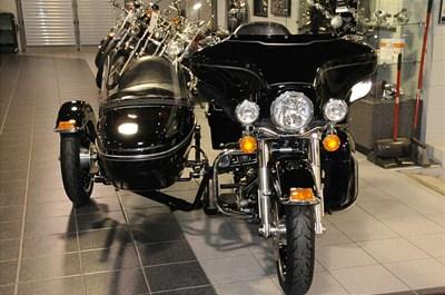 Used 2009 Harley-Davidson® Electra Glide® Ultra Classic® w/ Sidecar
